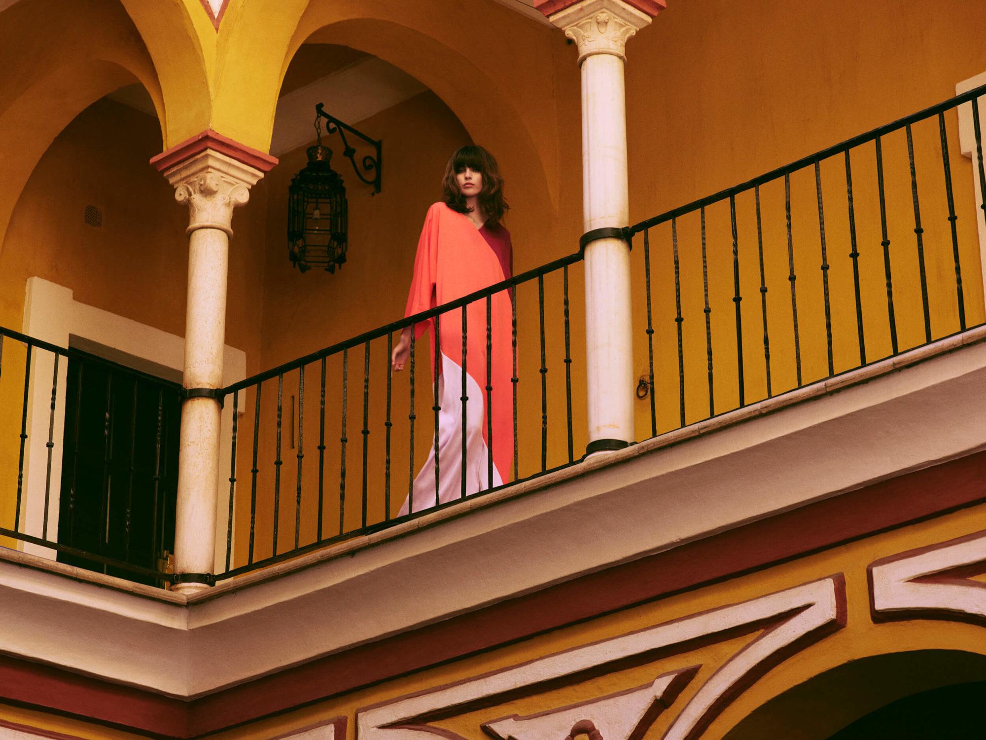 PRCO Woman on balcony