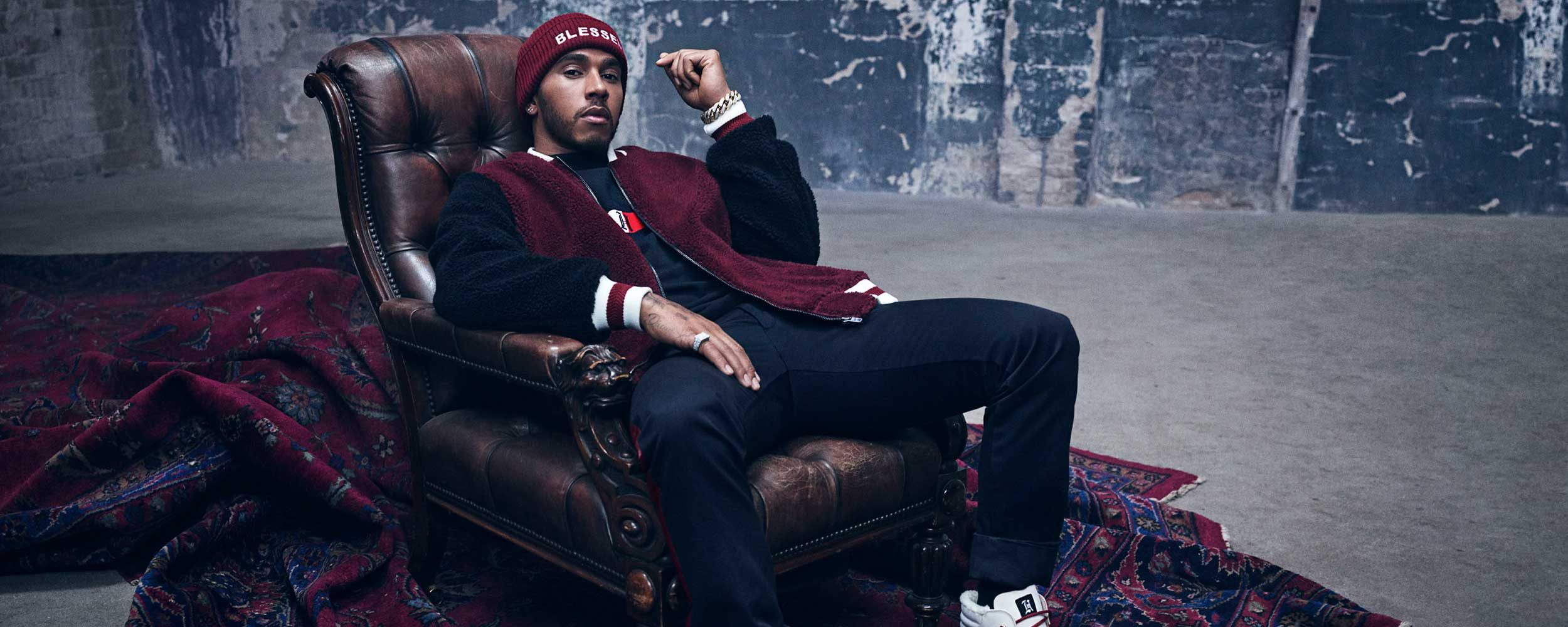 Tommy Hilfiger Lewis Hamilton in chair